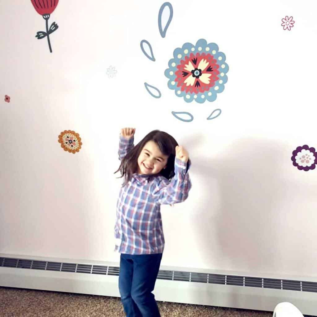 Redecorate Childs Room Using Stickers